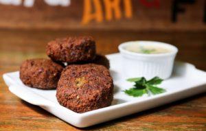 Rápido e Fácil: Aprenda a Fazer o Tradicional Falafel
