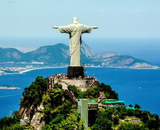 """Cristo Redentor"" Voted Best Tourist Attraction in Brazil"