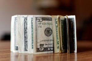 A Alta do Dólar e o seu Impacto na Vida dos Norte-americanos e Brasileiros