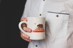 Ajuda de US$300 Semanais Para os Desempregados da Califórnia Chega a Partir de 7 de Setembro