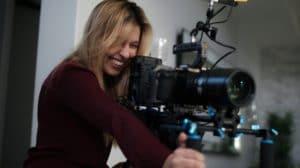 """Cineasta e Produtora Brasileira Leva Emmy por """"Leah Remini: Scientology and the Aftermath (A&E)"""""""