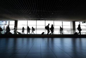 EUA Exigirão Testes de Covid-19 Negativos a Todos os Passageiros Internacionais que Chegarem de Avião