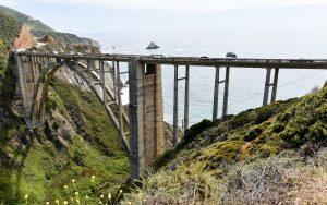 Highway 1 Em Direção a Big Sur Reabre Após Colapso