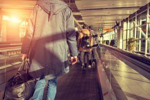 EUA Decidem Manter Restrições a Viajantes Vindos do Brasil, União Europeia e Reino Unido Devido à Variante delta